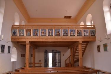 Zrenovovaný interiér kostel Panny Marie Bolestné v Hamrech