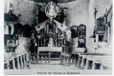 Interiér kostela v roce 1945