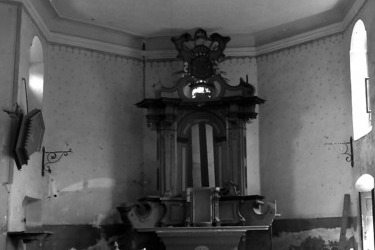 Interiér kostela v roce 1955