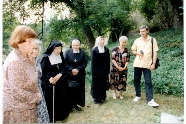 Návštěva sester Řádu Navštívení Panny Marie v klášteře v 90. letech