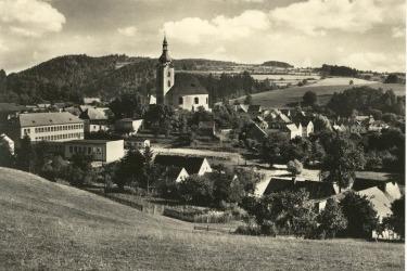 Městečko Úterý na historické fotografii