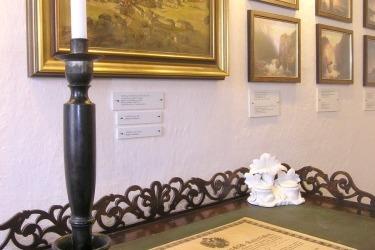 Současná expozice památníku Adalberta Schtiftera (Zdroj/Quelle: Památník-rodný dům A. Stiftera, pobočka Regionálního muzea v Českém Krumlově)