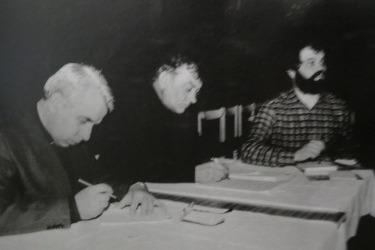 Zakládajicí schůze společnosti Pašije pro obnovu představení, 1990 (Zdroj: Muzeum pašijových her v Hořicích)