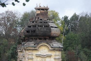 Kuppel, von einem Metalldieb 2006 heruntergestoßen