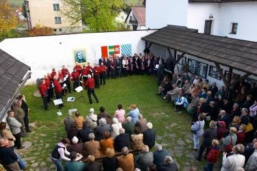 Feierlichkeiten zum 200. Geburtstag Adalbert Stifters, 2005 (Zdroj/Quelle: Památník-rodný dům A. Stiftera, pobočka Regionálního muzea v Českém Českém Krumlově)