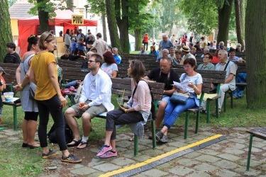 Pravidelná benefiční akce na podporu kláštera - Večer pro klášter Chotěšov v roce 2016 (Zdroj: Chotěšovská vlna)