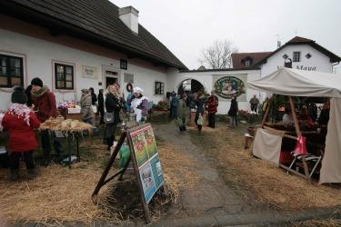 Adventí trhy v muzeu v roce 2016 (Zdroj: Památník-rodný dům A. Stiftera, pobočka Regionálního muzea v Českém Krumlově
